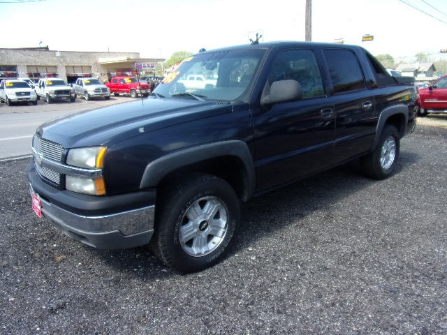 Chevrolet Avalanche 2004 price $4,500