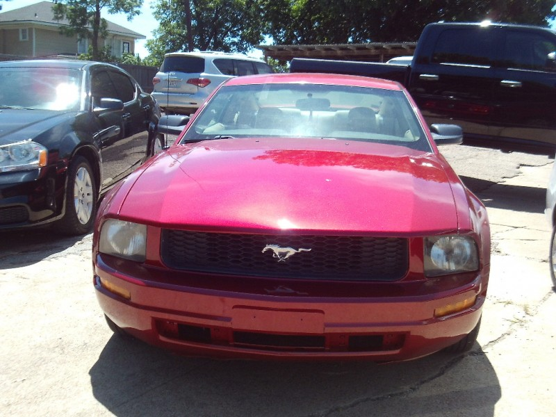 Ford Mustang 2006 price $3,995