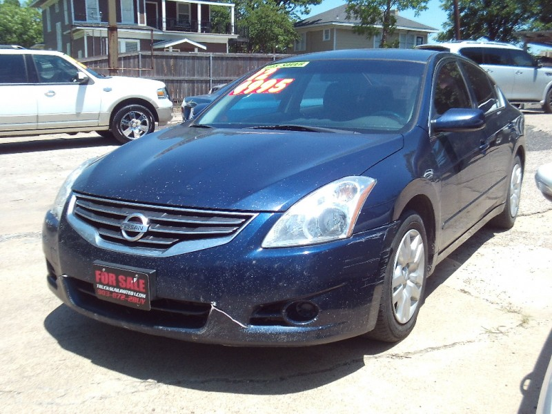 Nissan Altima 2012 price $4,995