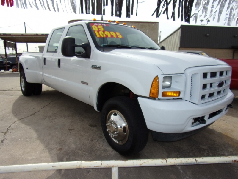 Ford F350 2005 price $10,995
