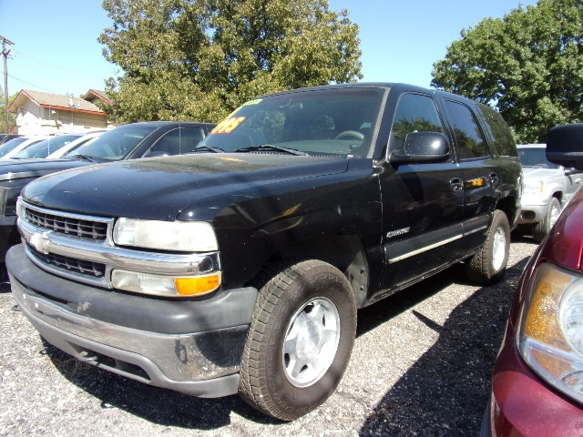 Chevrolet Tahoe 2001 price $3,995