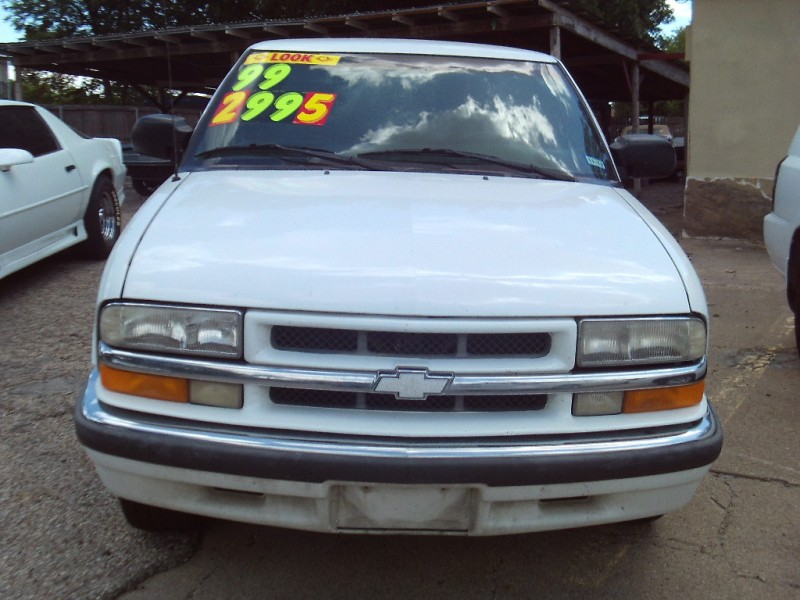 Chevrolet Blazer 1999 price $2,995