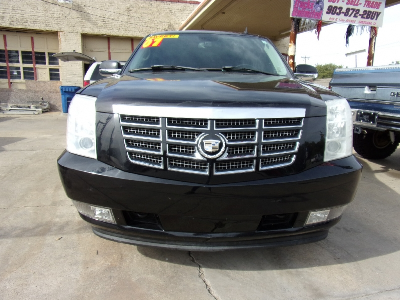 Cadillac Escalade 2007 price $10,900