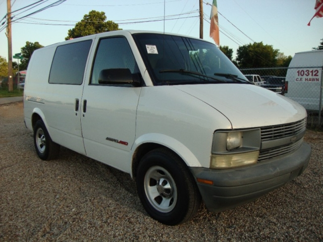 2001 Chevrolet Astro Cargo Van Awd White Inventory Regio Motors