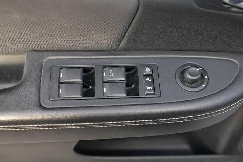 Dodge Avenger 2013 price $4,999