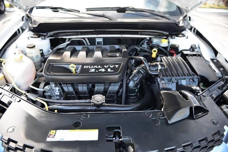 Dodge Avenger 2013 price $5,499