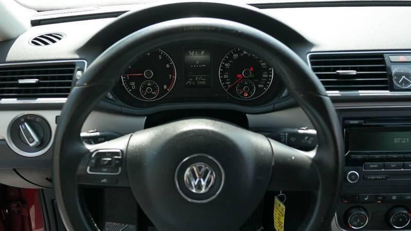 Volkswagen Passat 2015 price $7,999