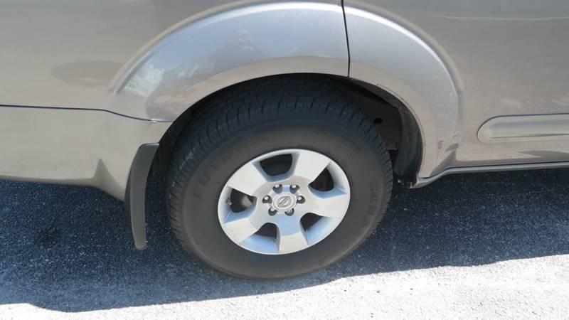 Nissan Pathfinder 2006 price $4,999