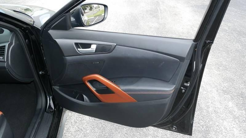 Hyundai Veloster Turbo 2016 price $12,999