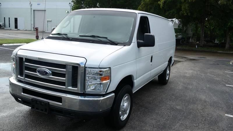 Ford E-Series Cargo 2012 price $10,499