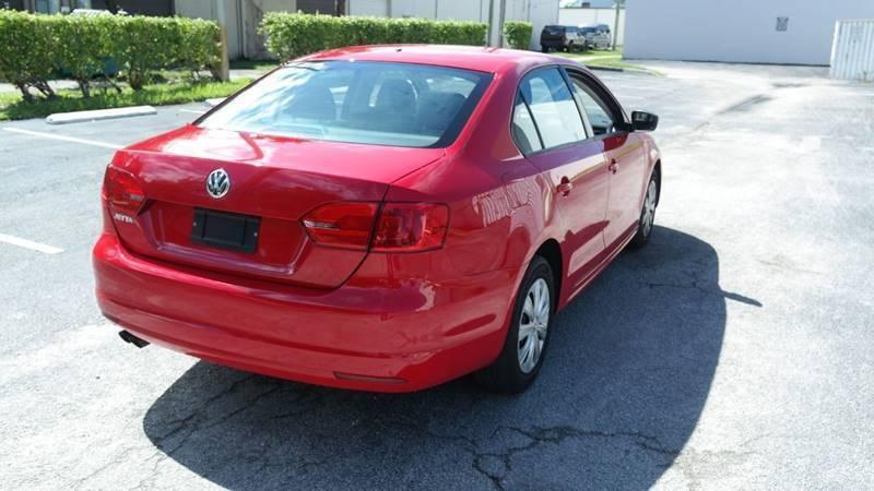 Volkswagen Jetta 2013 price $5,999