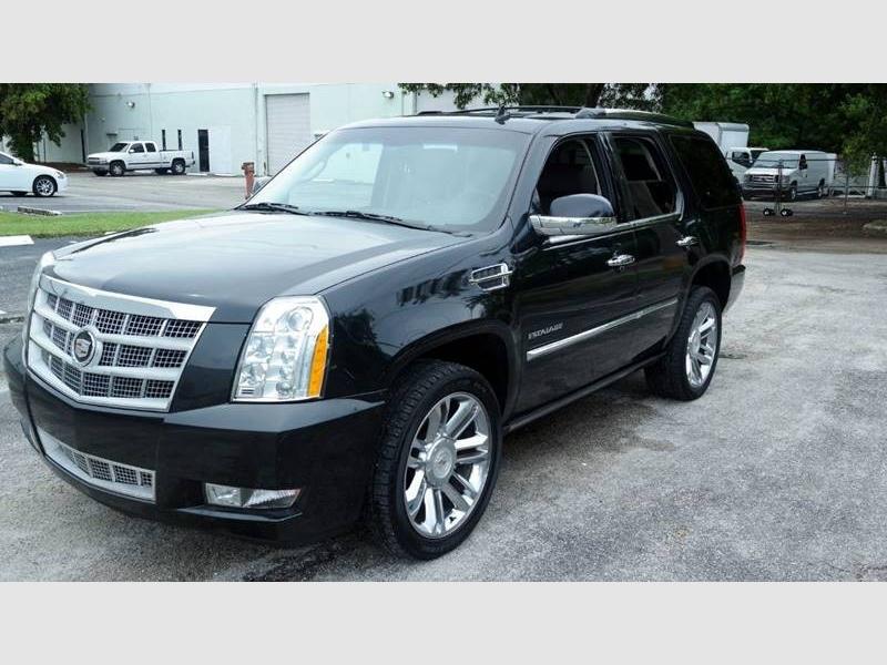 Cadillac Escalade 2011 price $16,999