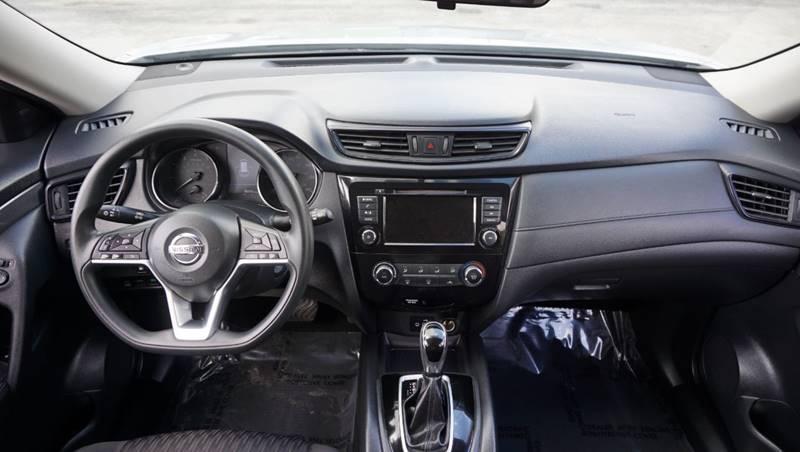 Nissan Rogue 2018 price $13,499