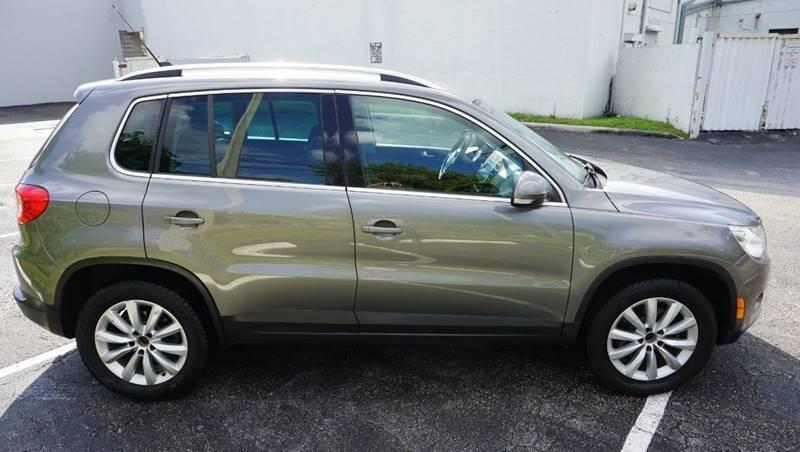 Volkswagen Tiguan 2011 price $6,999