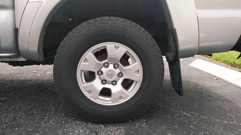 Toyota Tacoma 2011 price $13,999