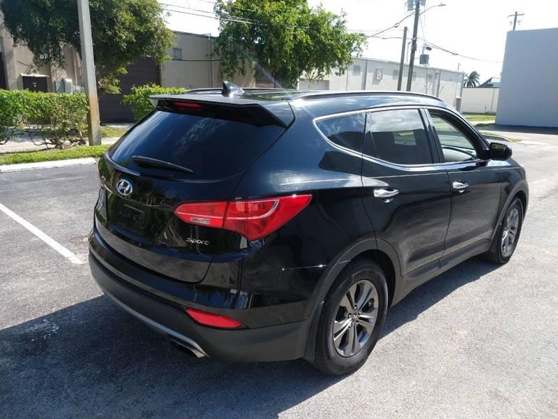 Hyundai Santa Fe 2012 price $6,999