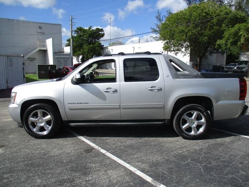Chevrolet Avalanche 2011 price $9,499