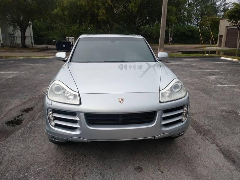 Porsche Cayenne 2009 price $8,999