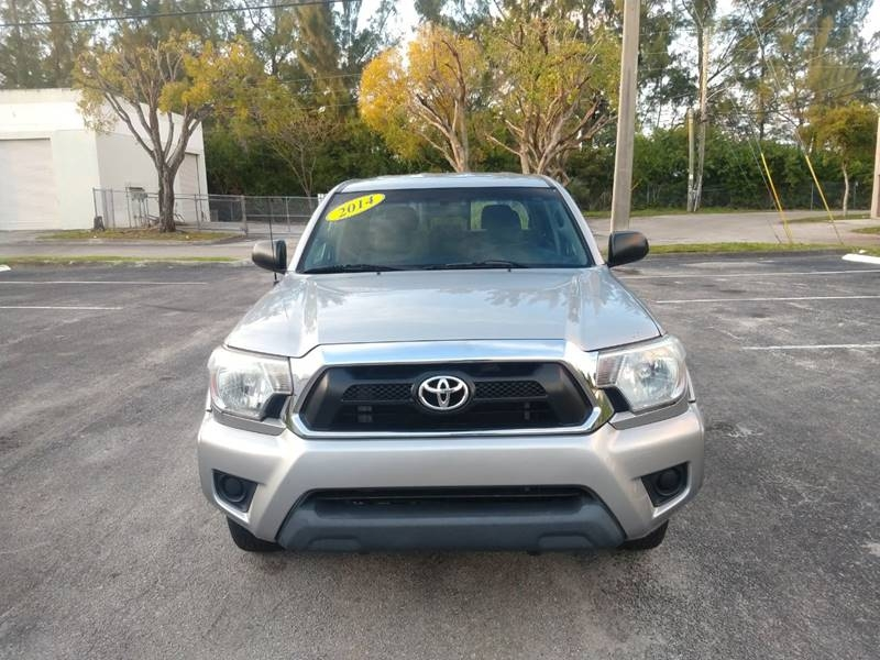 Toyota Tacoma 2014 price $15,999