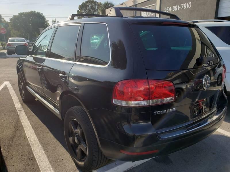 Volkswagen Touareg 2004 price $1,499