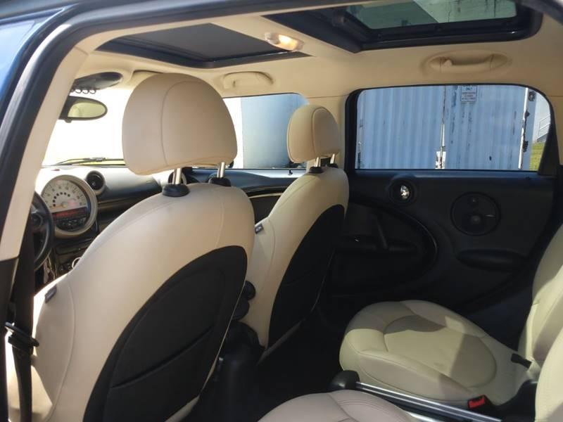 MINI Cooper Countryman 2011 price $5,999