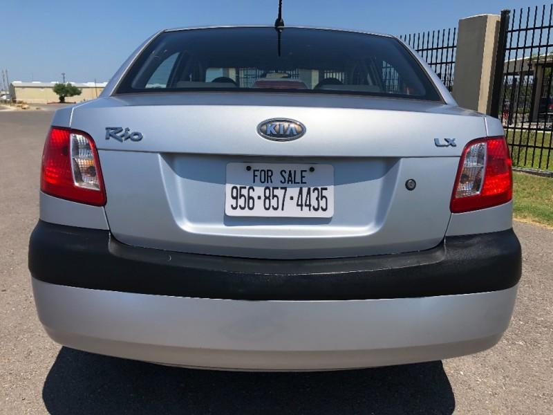 Kia Rio 2006 price $2,400 Cash
