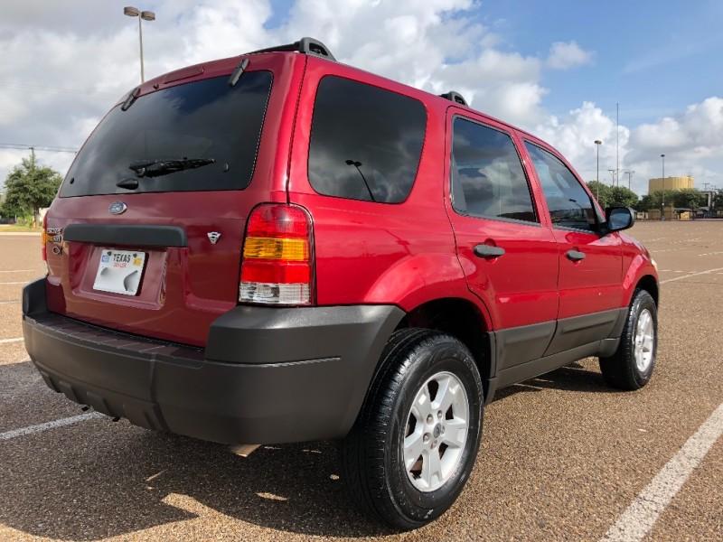 Ford Escape 2006 price $4,300 Cash