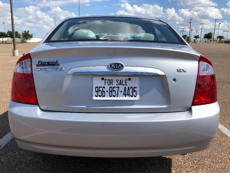 Kia Spectra 2006 price $2,700 Cash