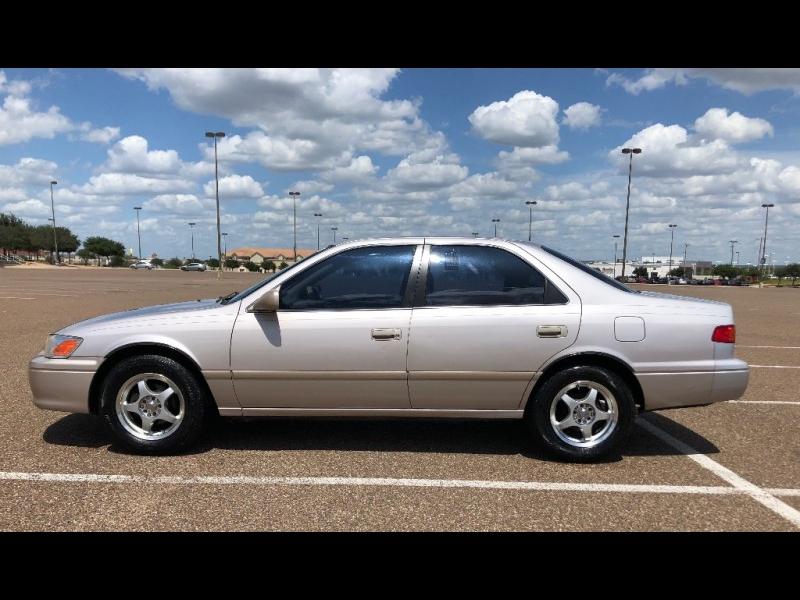 Toyota Camry 2000 price $2,500 Cash