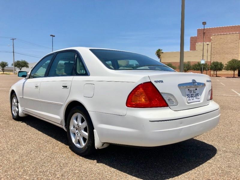 Toyota Avalon 2002 price $2,800 Cash