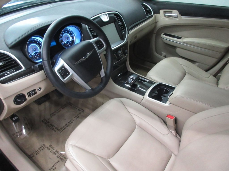 CHRYSLER 300 2013 price $13,499
