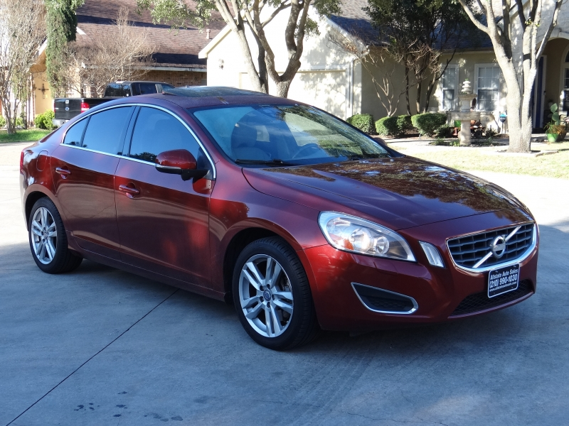Volvo S60 T5 Premier Luxury Sedan 2013 price $6,995