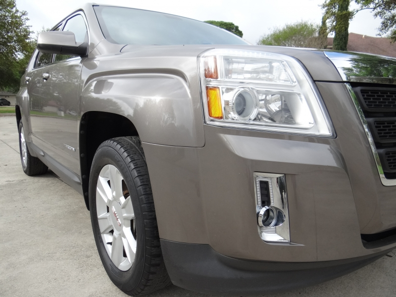 GMC Terrain SLE-1 Low miles One owner **Special Covid1 2011 price $8,495
