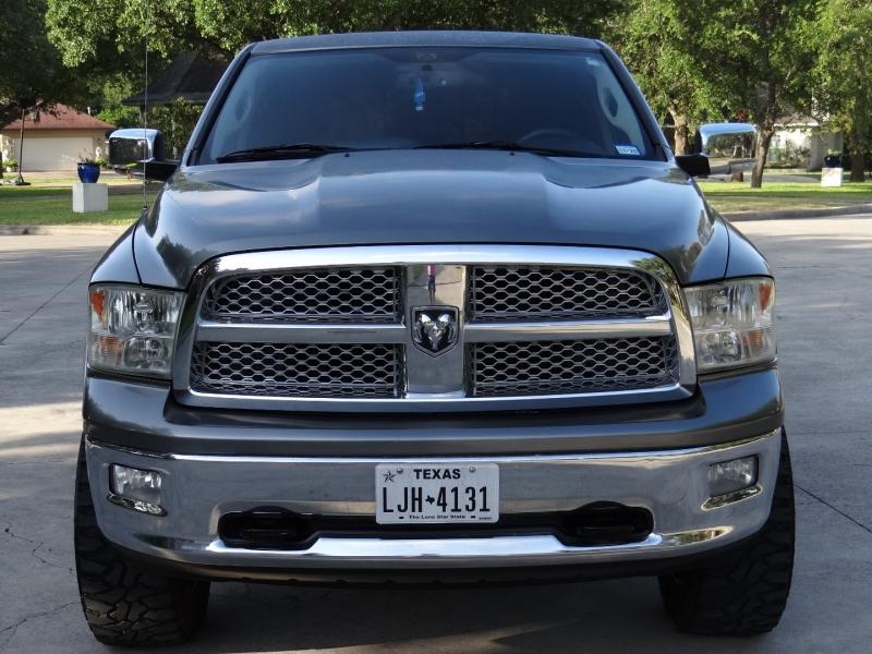 RAM 1500 Laramie 5.7 Hemi 4X4 1500 2011 price $13,495