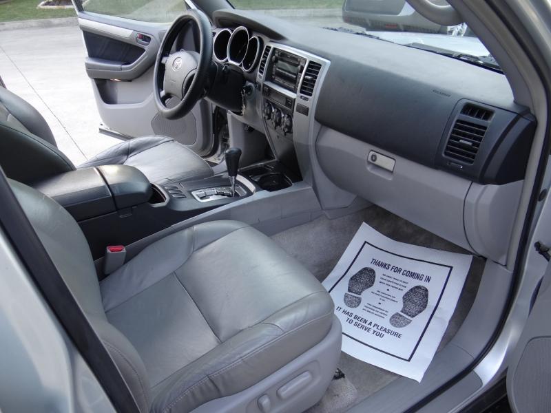 Toyota 4Runner SR5 V8 2006 price $5,995