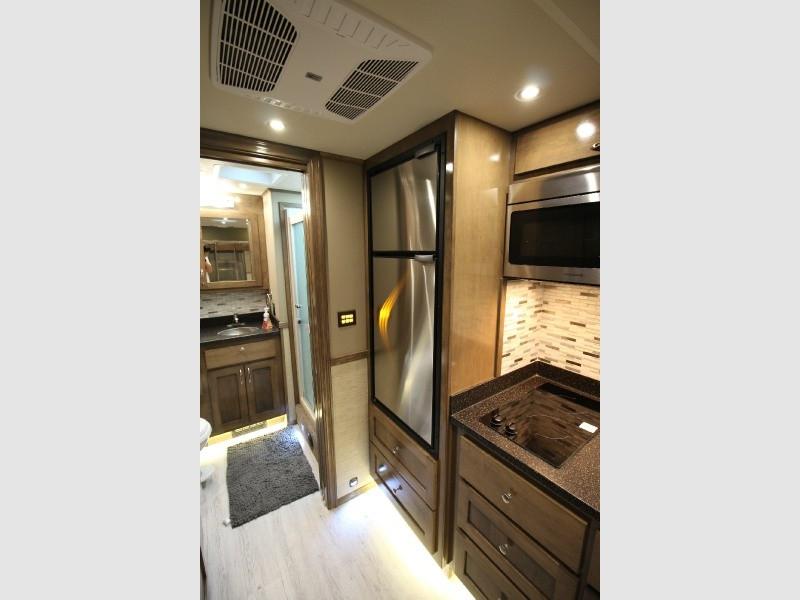 Showhauler 204WD 2019 price $449,950