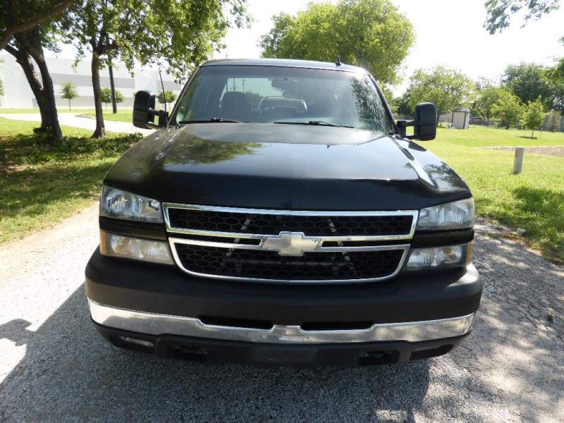 Chevrolet Silverado 2500HD 2006 price $15,995