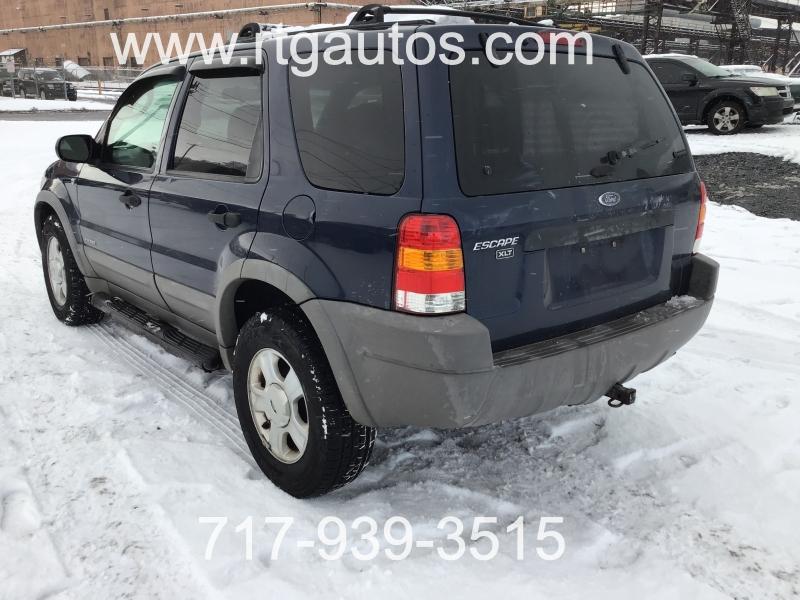Ford Escape 2002 price $1,999
