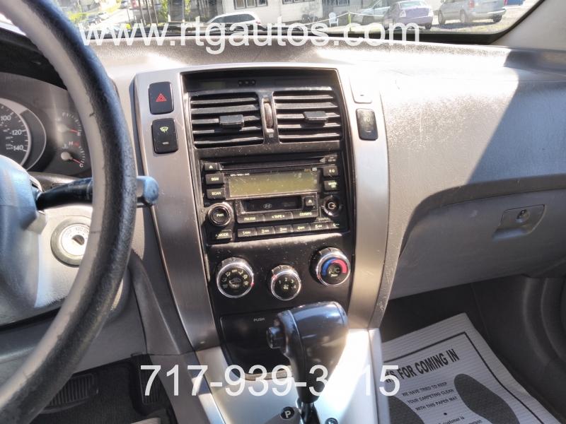 Hyundai Tucson 2005 price $3,000