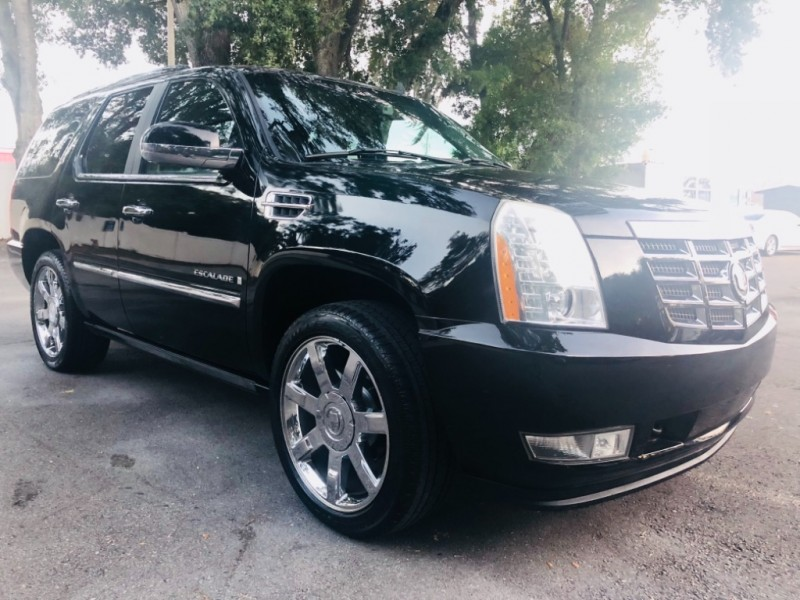 Cadillac Escalade 2007 price $12,490