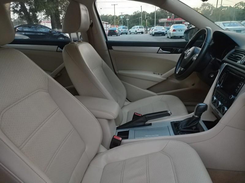 Volkswagen Passat 2012 price $8,290