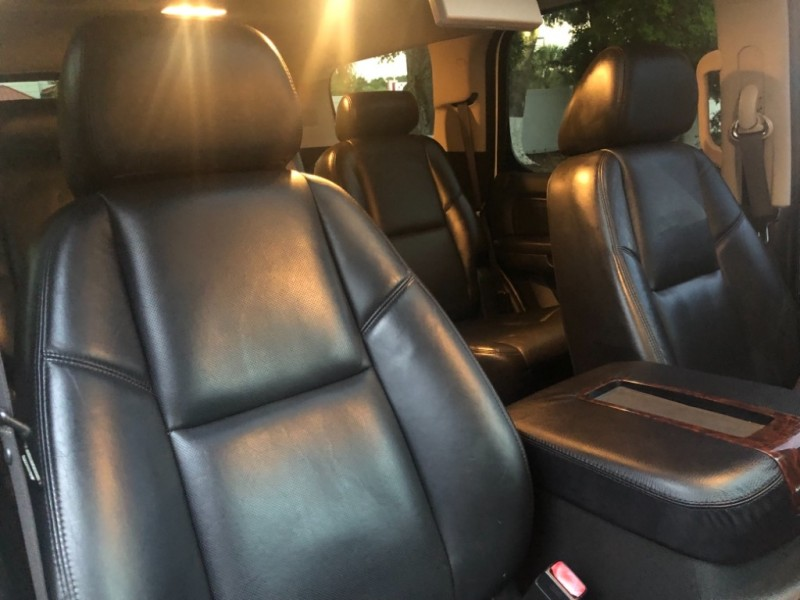 GMC Yukon Denali 2009 price $14,490