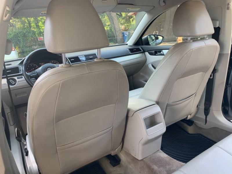 Volkswagen Passat 2012 price $7,290