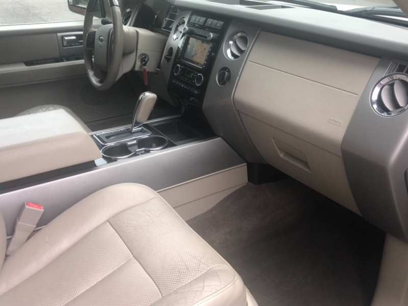 Ford Expedition EL 2011 price $12,990
