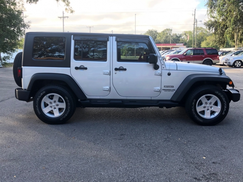 Jeep Wrangler Unlimited 2010 price $14,990