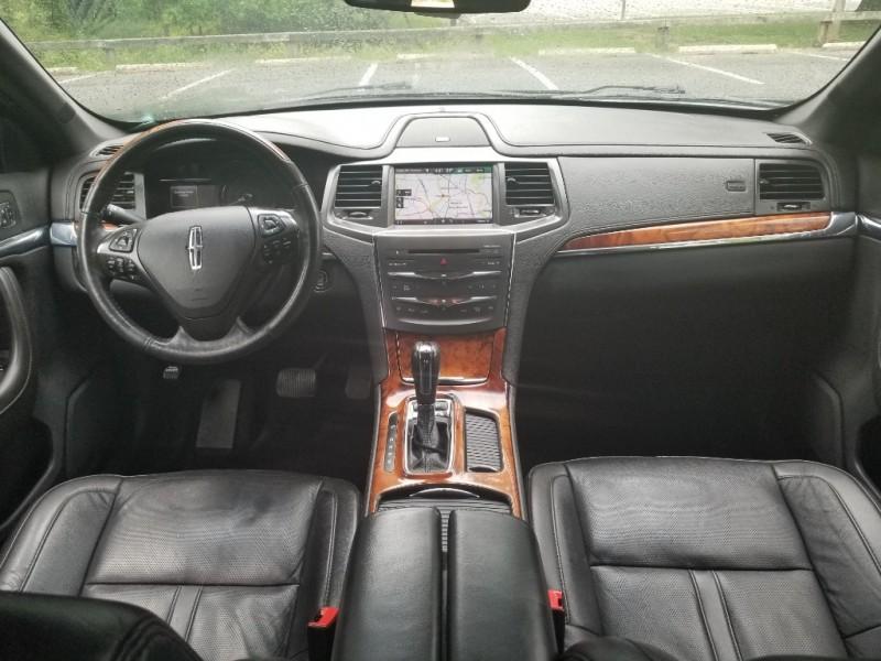 Lincoln MKS 2014 price $11,990
