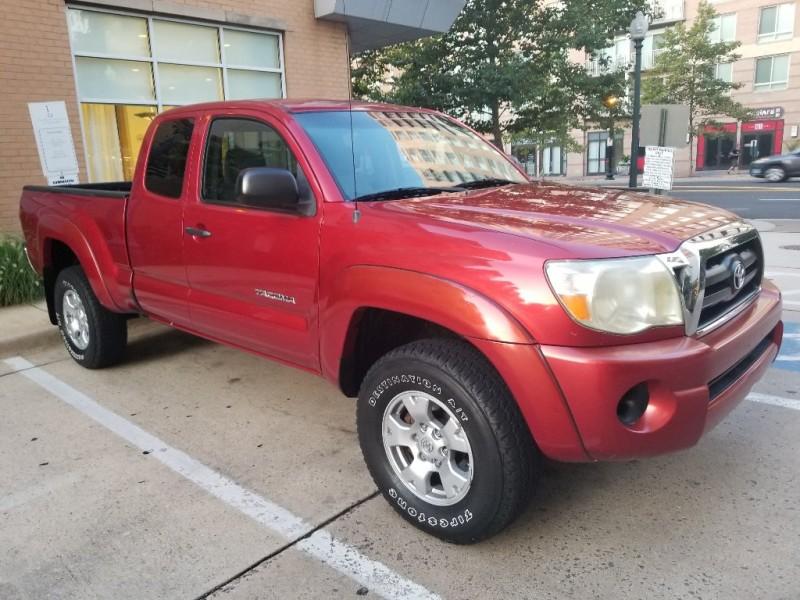 Toyota Tacoma 2007 price $11,990