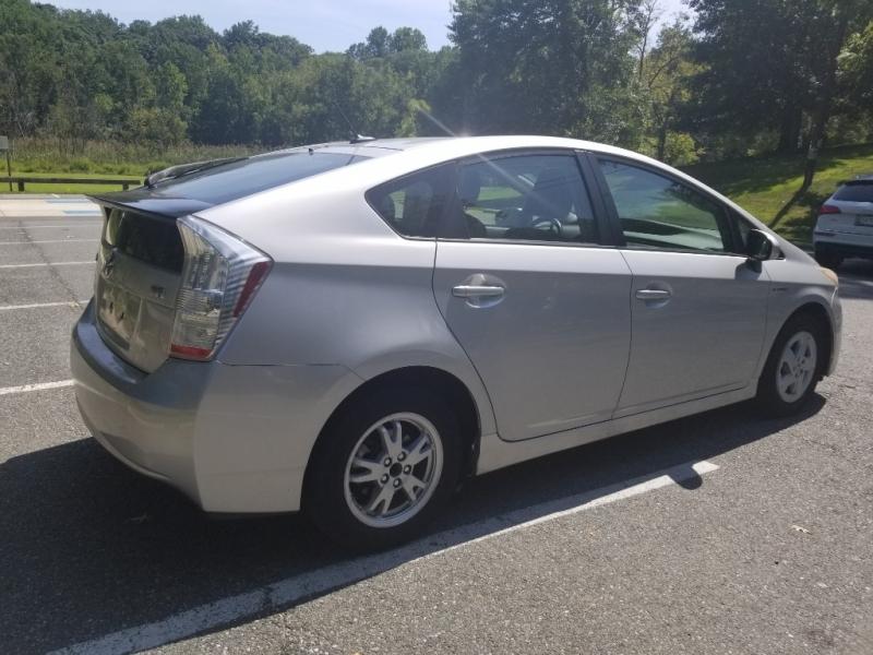 Toyota Prius 2010 price $3,900