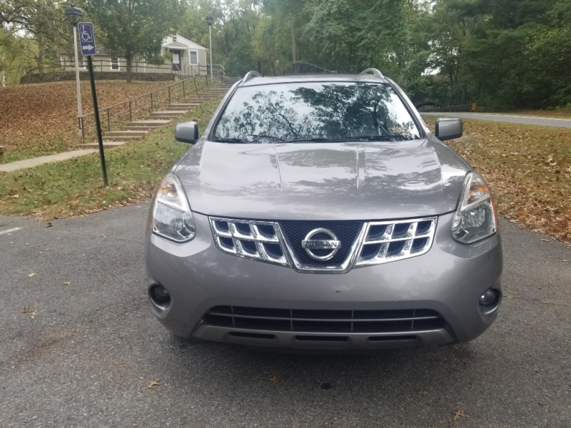 Nissan Rogue 2011 price $6,900