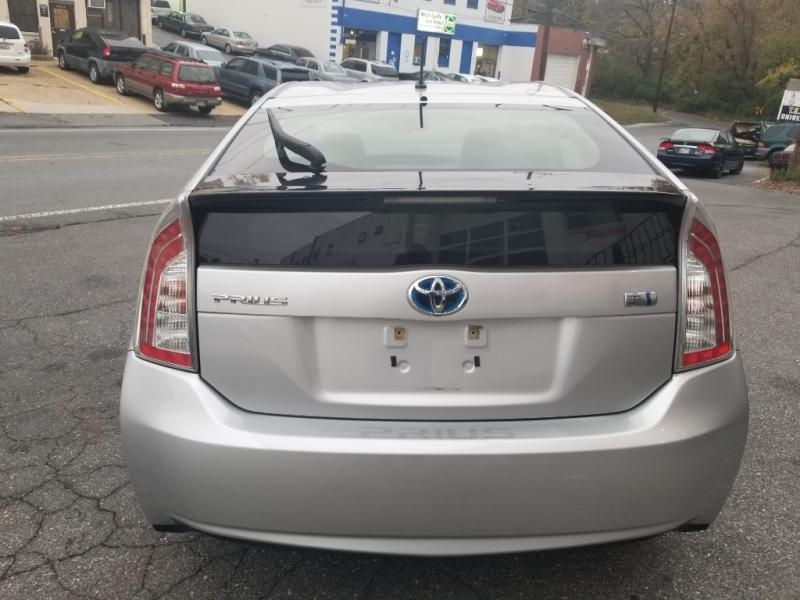 Toyota Prius 2012 price $5,900